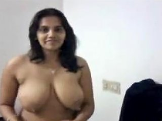 Indian Mother I'd Like To Fuck Does A Little Disrobe Tease With Saree Upornia Com