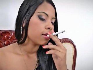 Concubine In A Pakistani Harem Tells Her Story Hindi Urdu Txxx Com