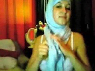 Hijab Angel Fingering